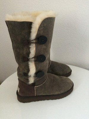 UGG Australia Boots Bailey Button Triplet 38
