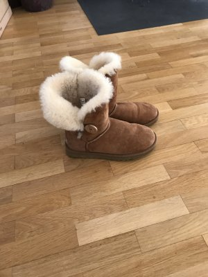 UGG Australia Boots in Caramel