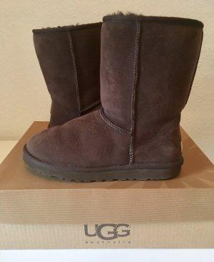 UGG Australia Botas deslizantes marrón oscuro