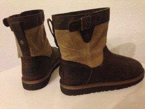 UGG Australia LOCKIE Classic Kinder Winterstiefel Lammfell Boots 36 37 38 NEU