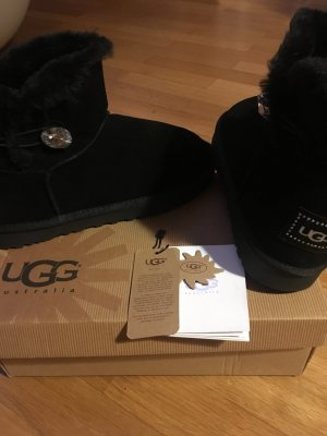 Ugg Australia Mini Bailey Button SWAROVSKI Elements