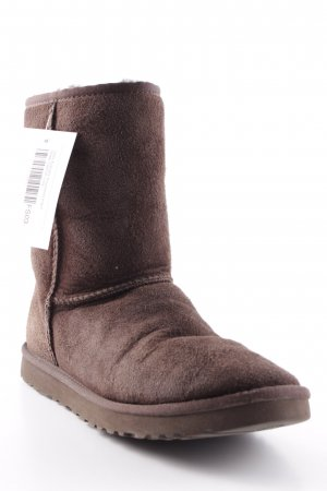 UGG Australia Snow Boots brown street-fashion look