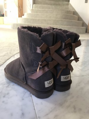 UGG Bailey Bow II Classic Boots, Gr.40