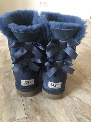Ugg Bailey bow in blau
