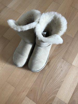 UGG Bailey Button Boots Farbe Sand Größe 36