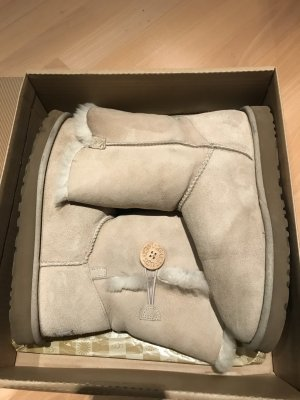 UGG Bailey Button Boots TOP SAND Rose