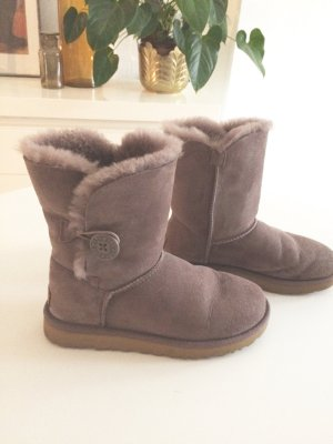UGG Bailey Button ll Gr 38