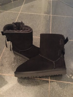 UGG Australia Short Boots black