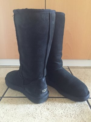 Ugg Boot Classic Tall in schwarz