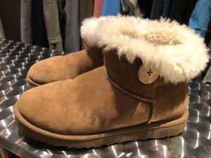 UGG Slip-on Booties camel