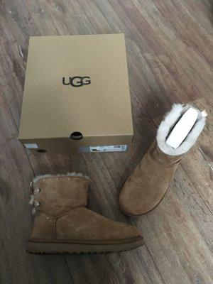 UGG Boots 38 Cognac braun beige Dixi Flora Lochmuster OVP Originalkarton