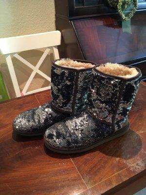 UGG Australia Fur Boots dark blue