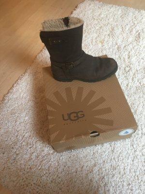 Ugg Boots aus braunem Leder