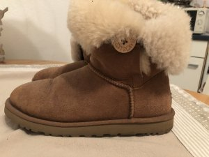Ugg boots bailey botton chestnut