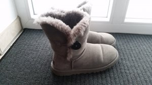 UGG Boots Bailey Button 37