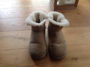 UGG Australia Boots ocher