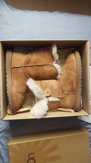 ugg boots bailey button beige 36