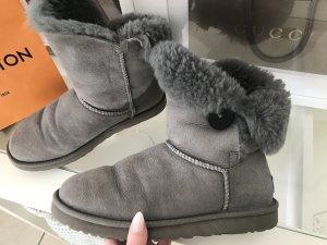 UGG Boots Bailey Button Blogger Lammfell Grau Gr.38