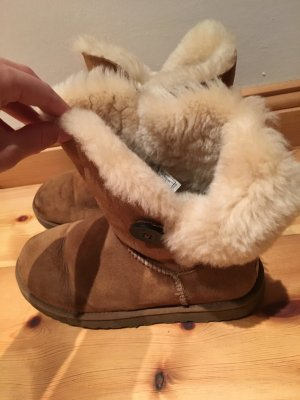 UGG Boots Bailey Button Gr.39