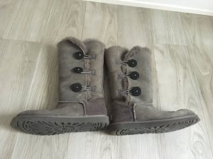 UGG Boots Bailey Button grau