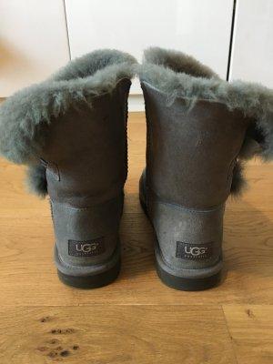 UGG Boots Bailey Button grau (Größe 39)