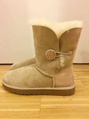 UGG Boots Bailey Button II beige/sand - NEU -