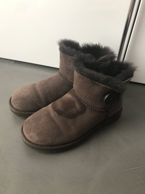 UGG Boots Bailey Button Low Chocolate 37