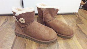 Ugg Boots bailey button neu