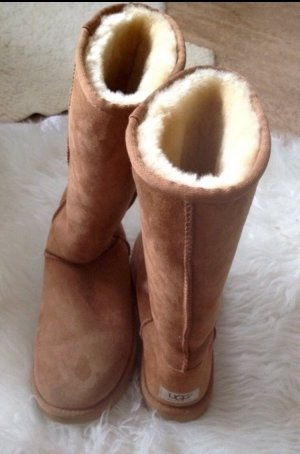 UGG Boots Braun Fell Stiefel