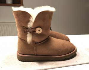 UGG Boots chestnut Bailey Button