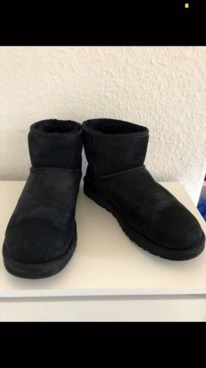 Ugg Boots Classic Mini in schwarz