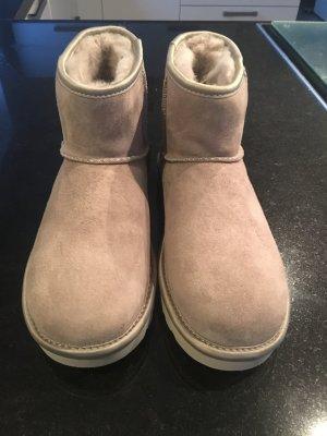 UGG Boots Classic Mini *NEU*