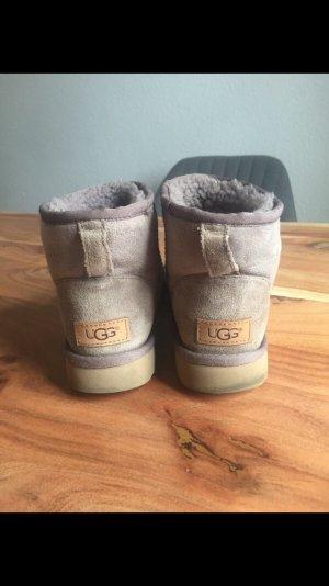 UGG Boots Classic Mini violett