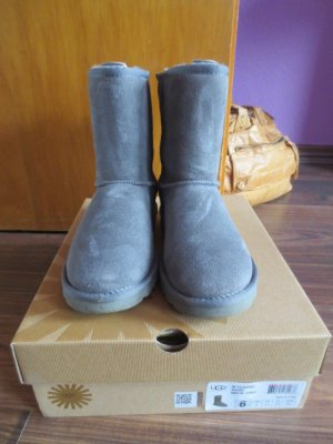 UGG Boots Classic Short grey