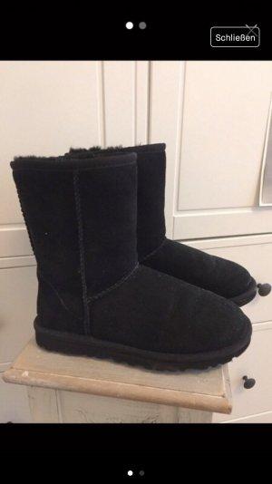 Ugg Boots Classic short schwarz 37
