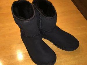 UGG Boots Classic Short schwarz Größe 39