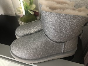 UGG !! Boots