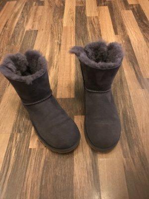 Ugg Boots dunkellila