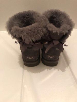 UGG Boots echtleder grau