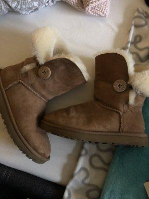 UGG Snow Boots light brown