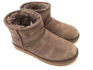 Ugg Boots, Gr. 38 EUR, fliederfarbenen bzw. braun