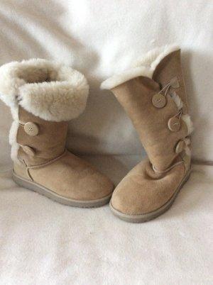 UGG Australia Snow Boots camel suede