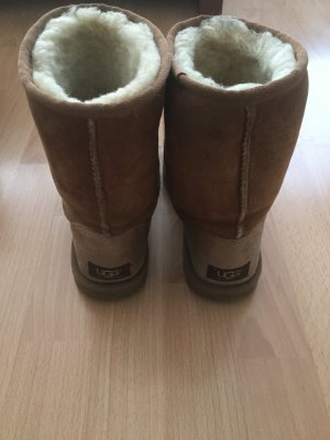 Ugg Boots in 38 chestnut