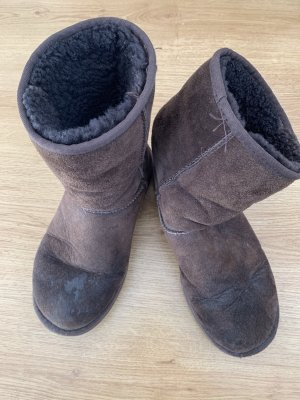 UGG Fur Boots dark brown