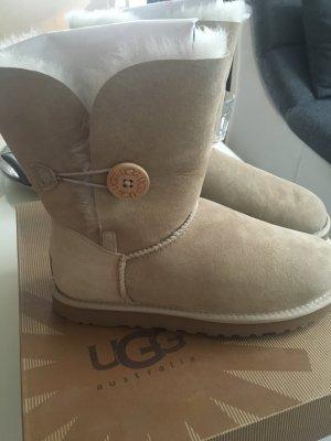 Ugg Boots in hell beige mit Original Verpackung