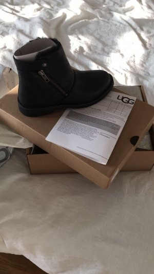 UGG Boots Leather