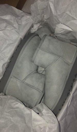 Ugg boots mini 2 hell grau