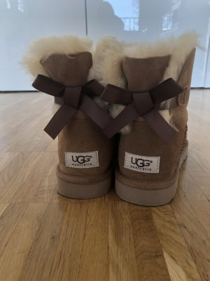 UGG Boots Mini Bailey Bow 2 Gr. 37