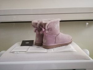 UGG Boots Mini Bailey Bow Crystal Swarovski Gr. 38 Rosa/Flieder