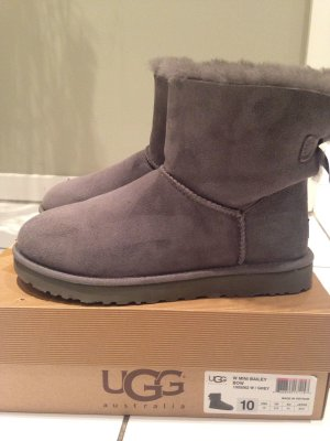 UGG Boots mini bailey bow grau gr.41 wie neu